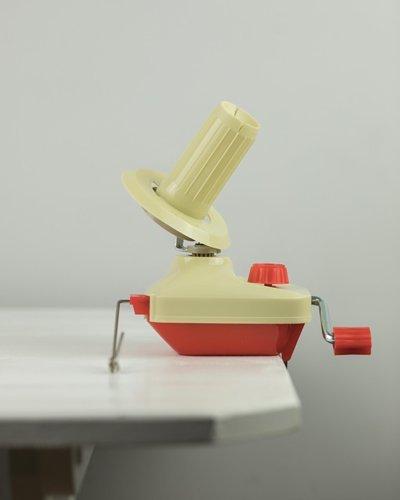 Ручная моталка для пряжи маленькая